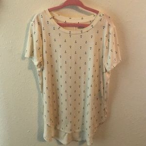 Old Navy Size 6/7 Cream shirt with Navy Anchors